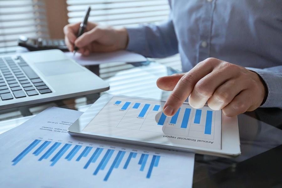 Société de service : pourquoi digitaliser vos notes de frais est indispensable